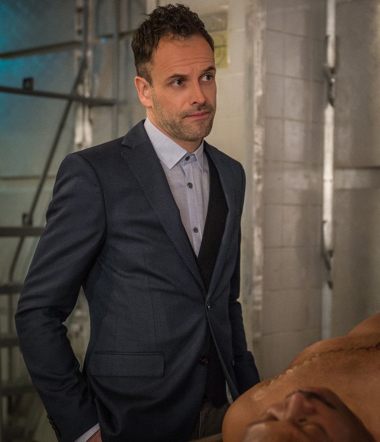 Elementary - Season 3 Episode 20: A Stitch in Time