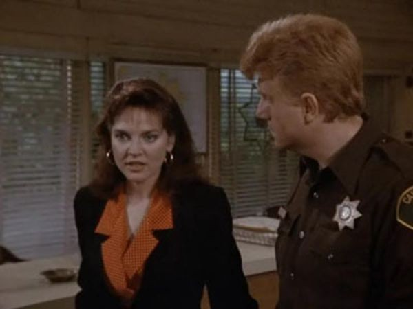 Murder, She Wrote - Season 6 Episode 06: Dead Letter