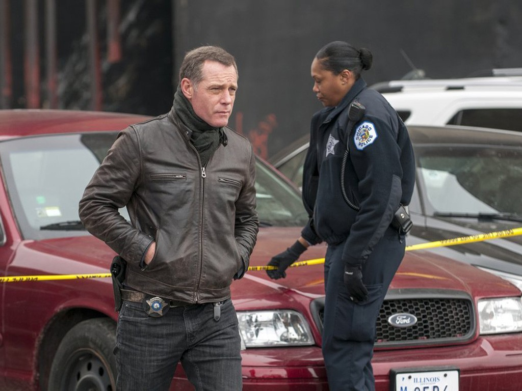 Chicago P.D. - Season 1 Episode 15: A Beautiful Friendship