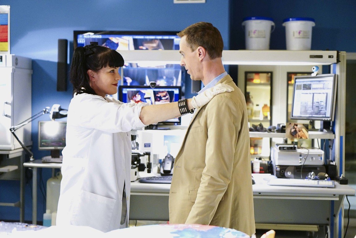 NCIS - Season 14 Episode 04: Love Boat