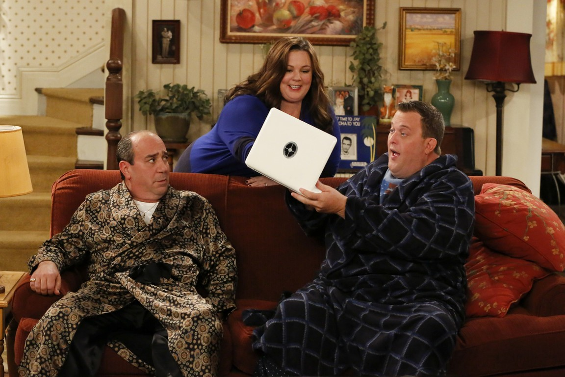 Mike & Molly - Season 4 Episode 9: Mike & Molly's Excellent Adventure
