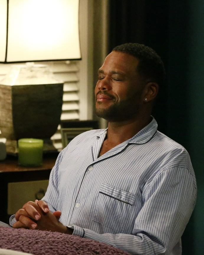 Black-ish - Season 3 Episode 02: God