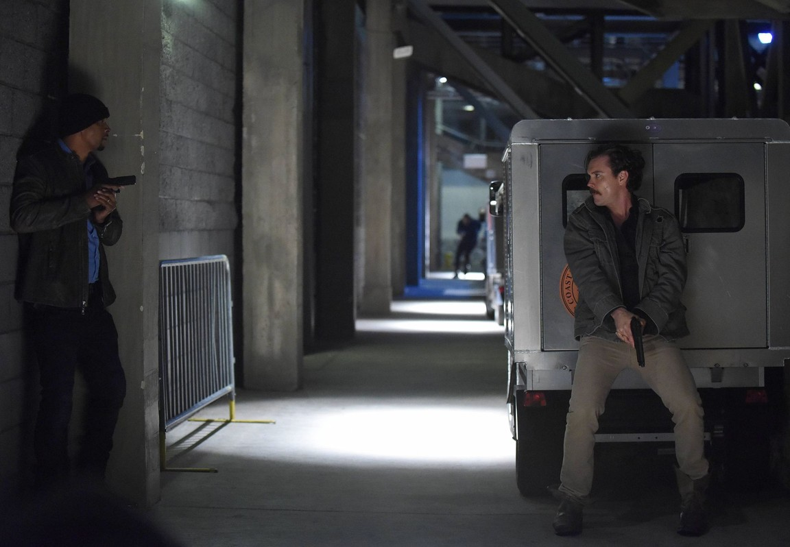 Lethal Weapon - Season 1 Episode 16: Unnecessary Roughness