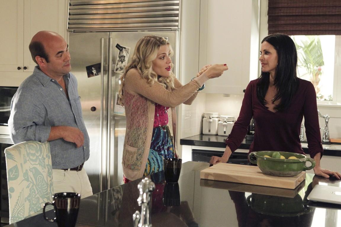 Cougar Town - Season 2 Episode 11: No Reason to Cry