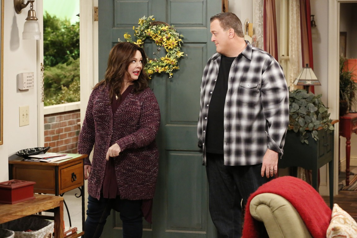 Mike & Molly - Season 6 Episode 12: Curse of the Bambino