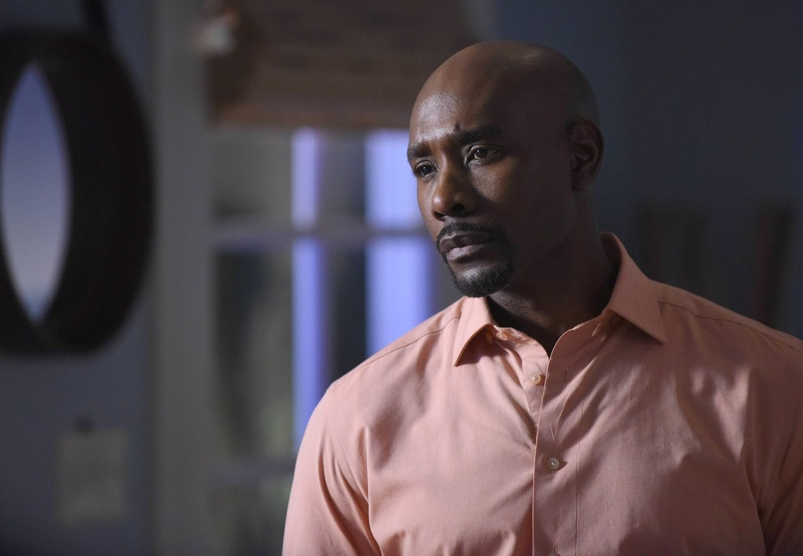 Rosewood - Season 2 Episode 18: Fairy Tales & Frozen Truths
