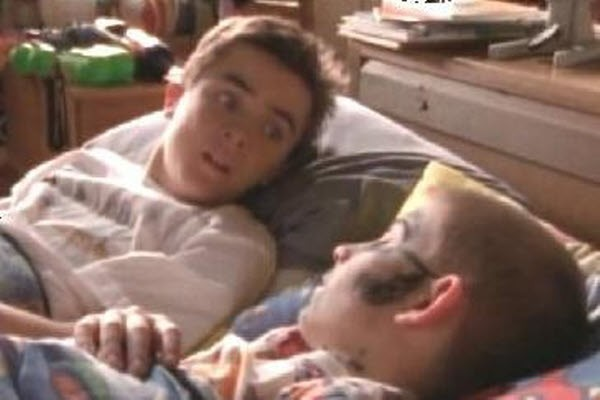 Malcolm in The Middle - Season 2 Episode 21: Malcolm vs. Reese