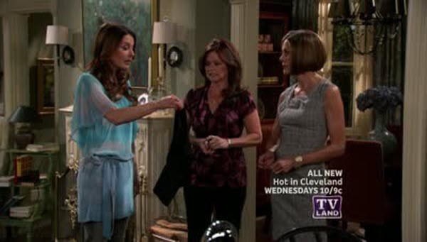 Hot in Cleveland - Season 2 Episode 04: Sisterhood of the Travelling SPANX