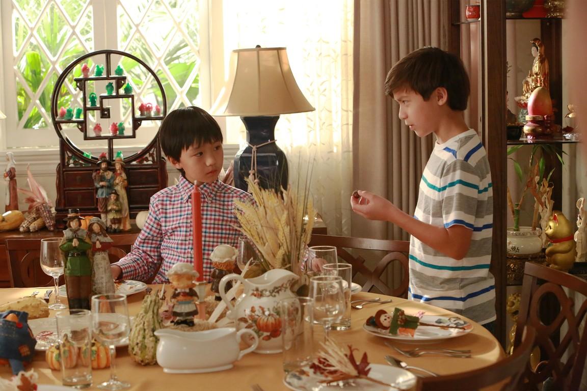 Fresh Off the Boat - Season 2 Episode 08: Huangsgiving