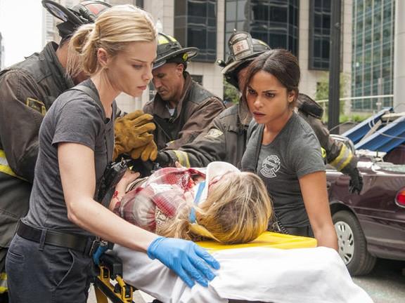 Chicago Fire - Season 1 Episode 02: Mon Amour