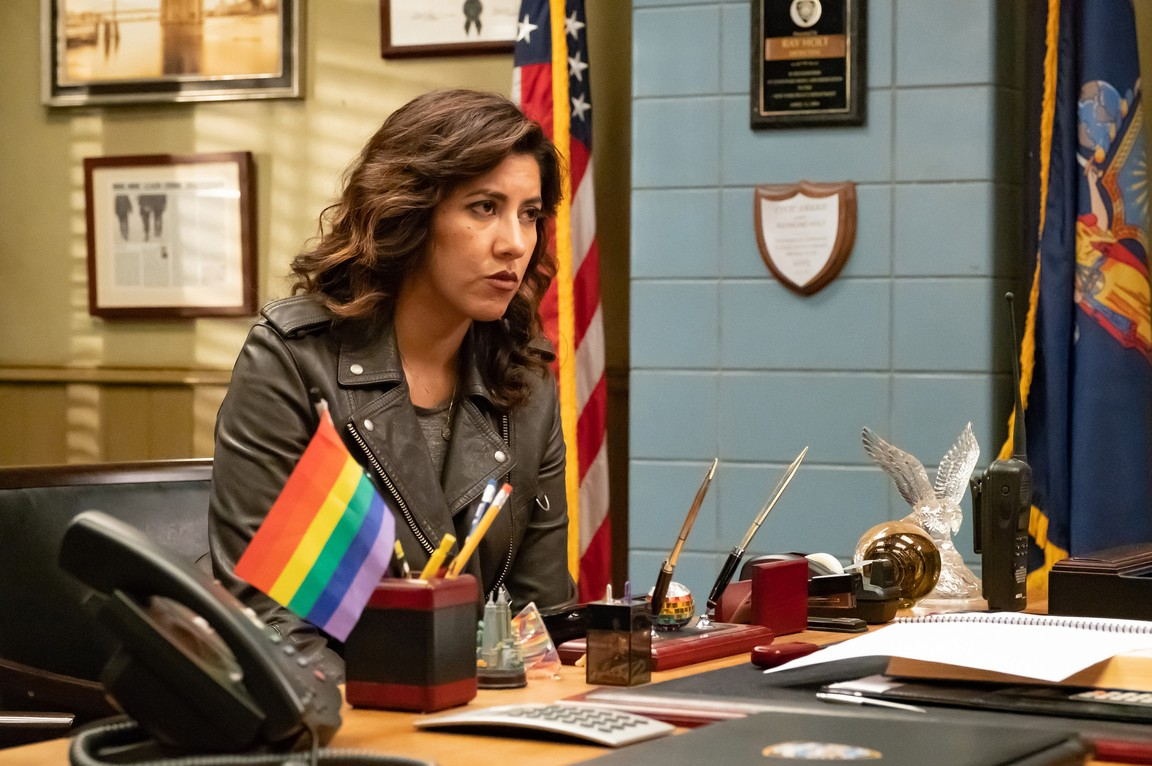 Brooklyn Nine-Nine - Season 6 Episode 01: Honeymoon