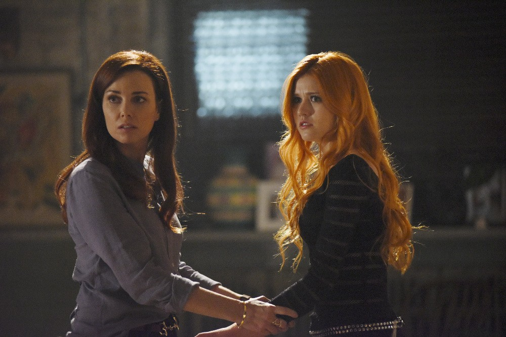 Shadowhunters - Season 1 Episode 01: The Mortal Cup
