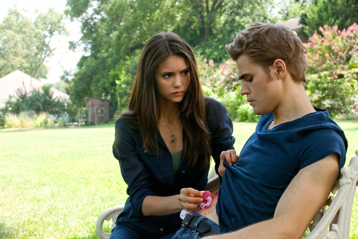 The Vampire Diaries - Season 2 Episode 01: The Return