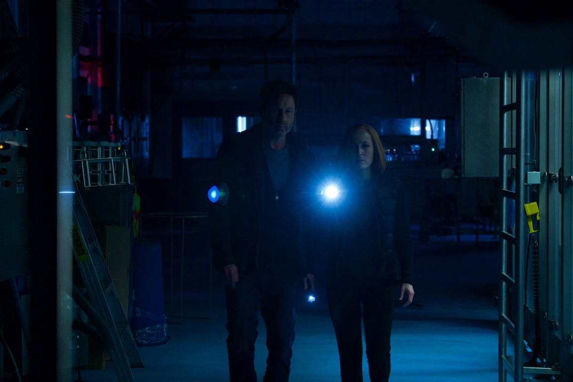 The X-Files - Season 11 Episode 07: Rm9sbG93ZXJz