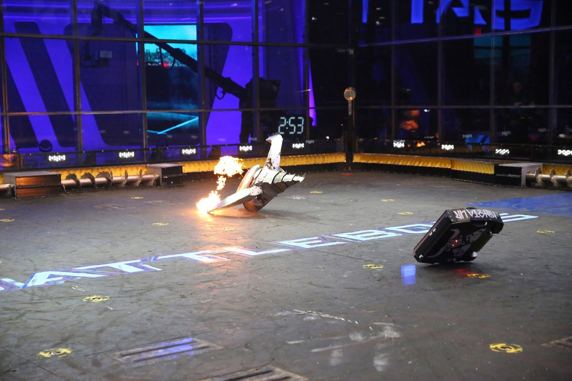 BattleBots - Season 2 Episode 06: Not So Sweet 16: The Round of 16 Part 1