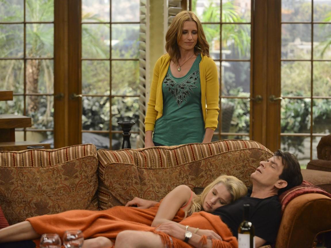 Anger Management - Season 1 Episode 06: Charlie Dates Kate's Patient