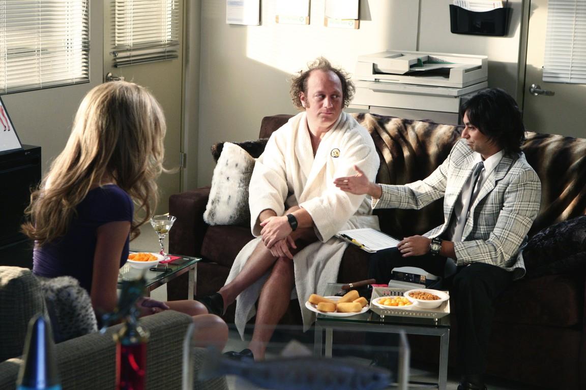 Chuck - Season 2 Episode 15: Chuck Versus the Beefcake