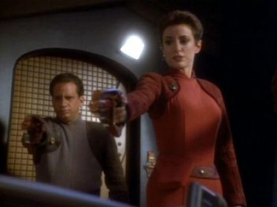 Star Trek: Deep Space Nine - Season 1 Episode 18: Dramatis Perspnae