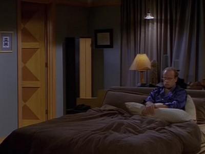 Frasier - Season 6 Episode 07: How to Bury a Millionaire