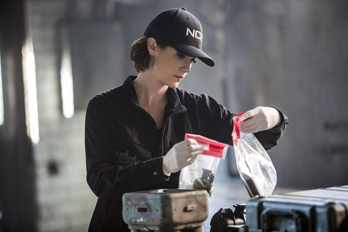 NCIS: New Orleans- Season 2 Episode 19: Means to an End