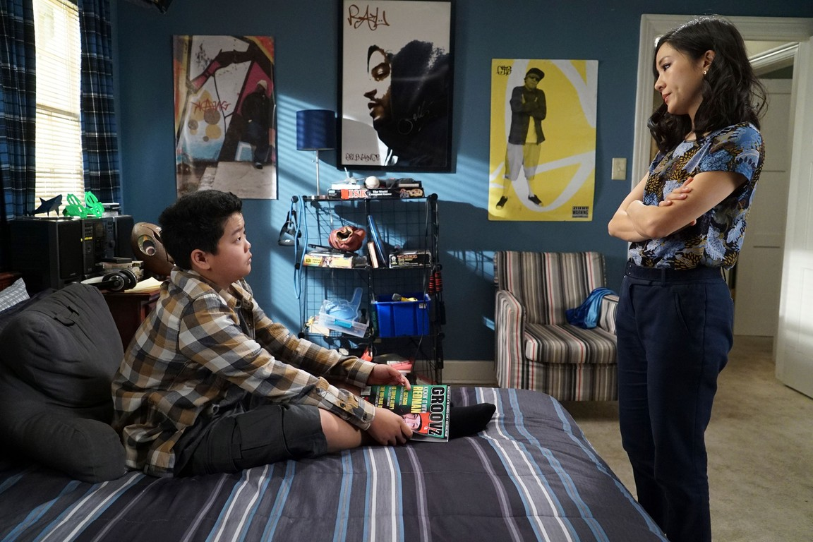Fresh Off the Boat - Season 3 Episode 15: Living While Eddie