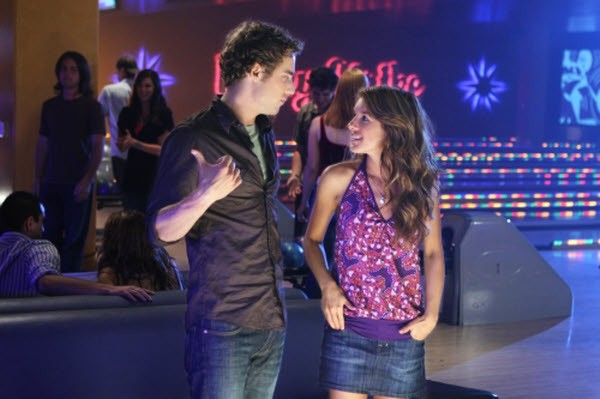 90210 - Season 1 Episode 03: Lucky Strike