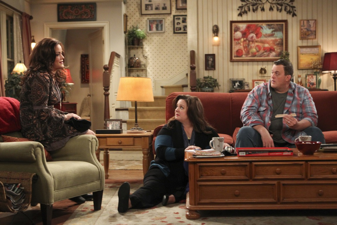 Mike & Molly - Season 4 Episode 14: Rich Man, Poor Girl