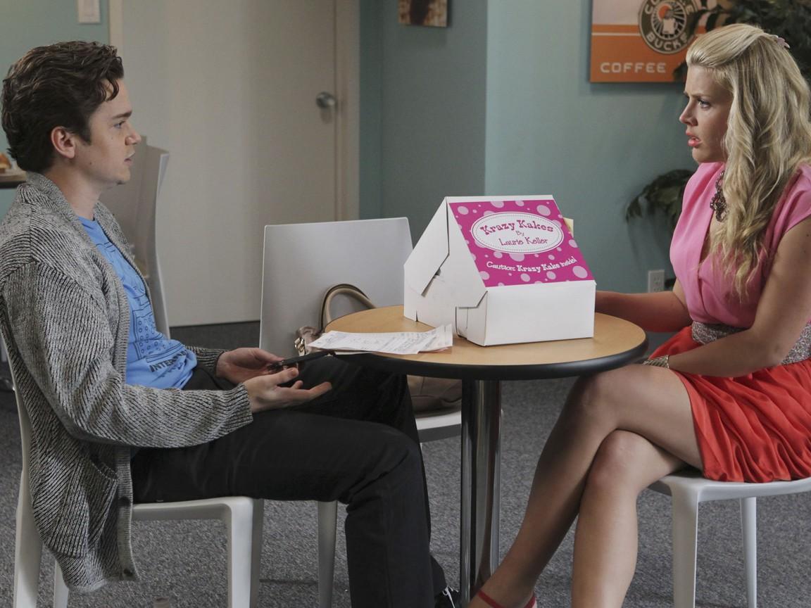 Cougar Town - Season 3 Episode 09: Money Becomes King