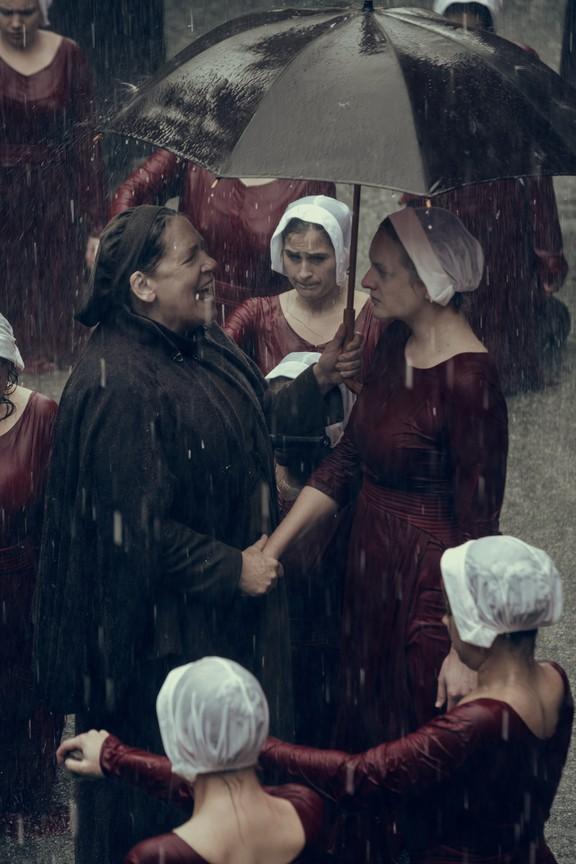 The Handmaids Tale - Season 2 Episode 01: June