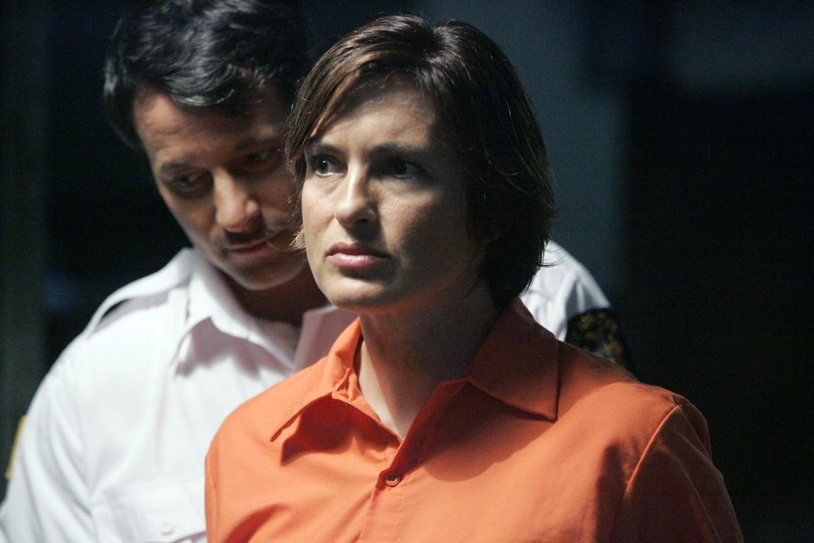Law & Order: Special Victims Unit - Season 9 Episode 15: Undercover