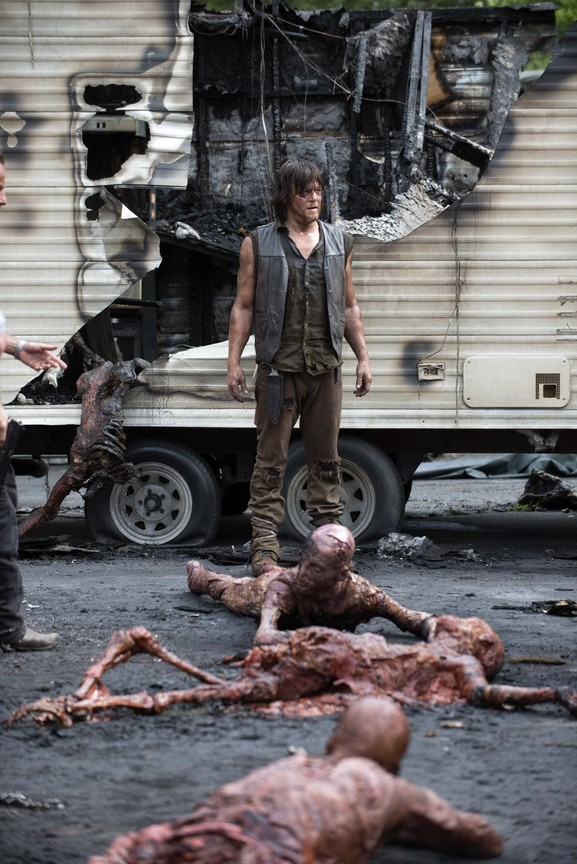 The Walking Dead - Season 5 Episode 07: Crossed