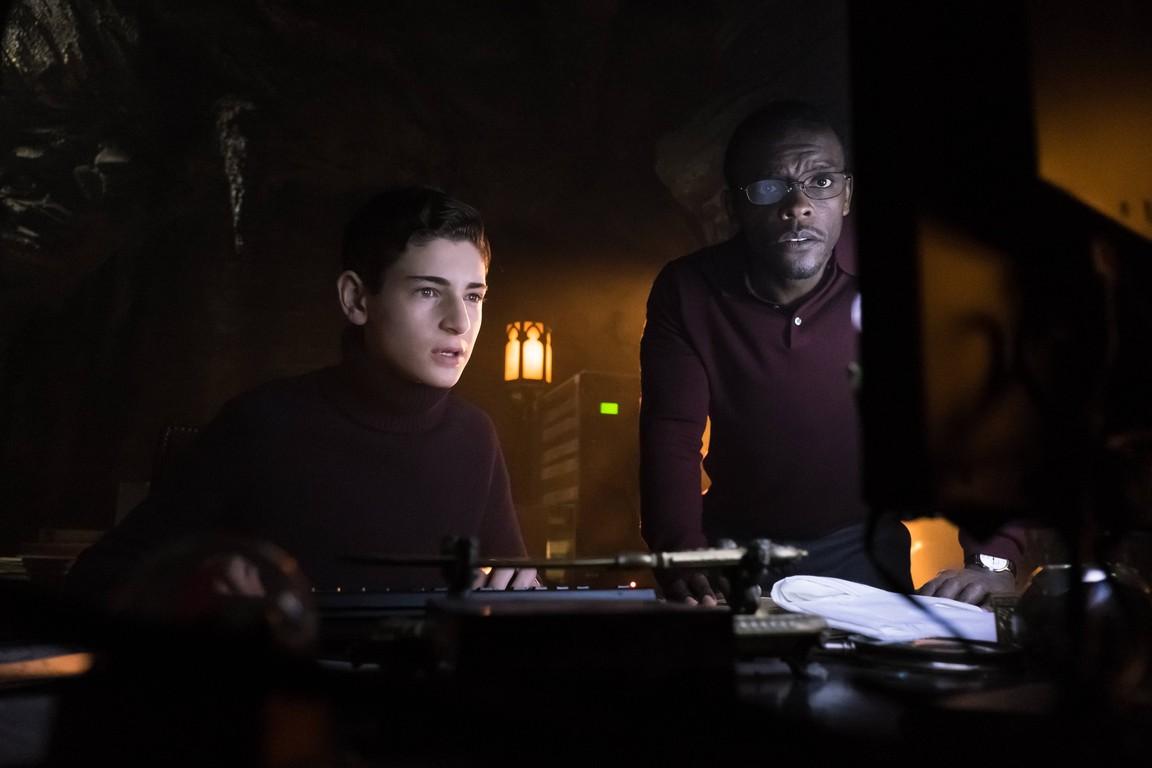 Gotham - Season 2 Episode 18: Wrath of the Villains: Pinewood