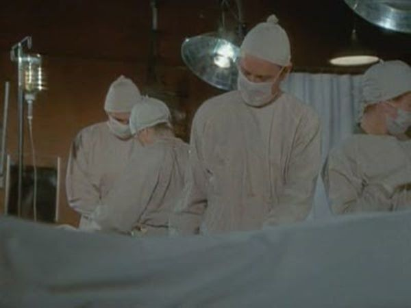 M*A*S*H - Season 2 Episode 11: Carry On, Hawkeye