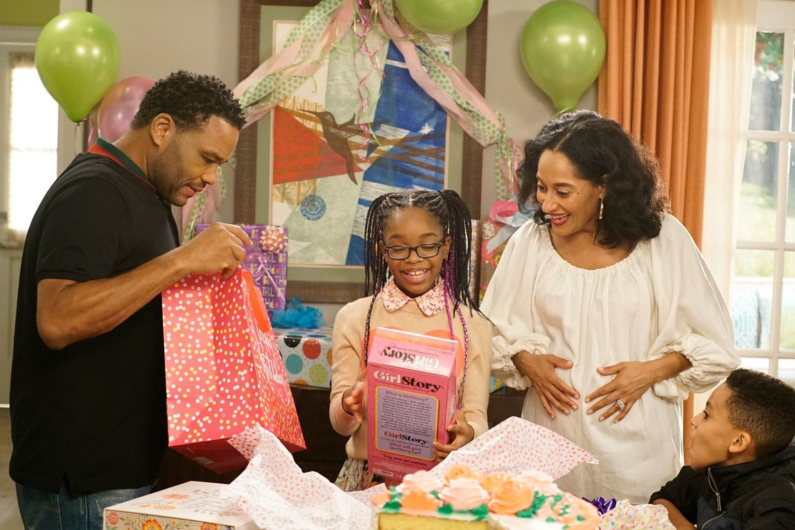 Black-ish - Season 3 Episode 17: ToysRn'tUs