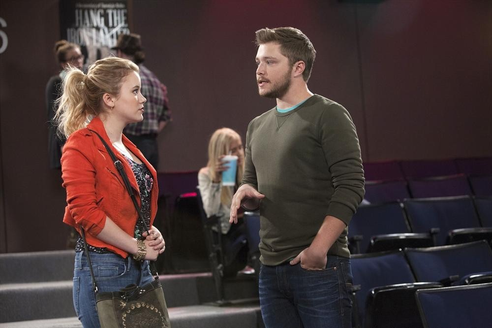 Melissa And Joey - Season 4 Episode 05: Let's Get It Started