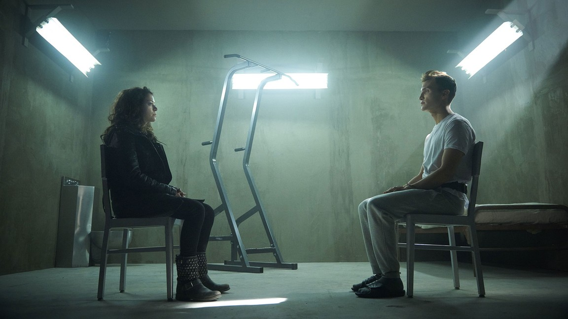 Orphan Black - Season 3 Episode 01: The Weight of This Combination