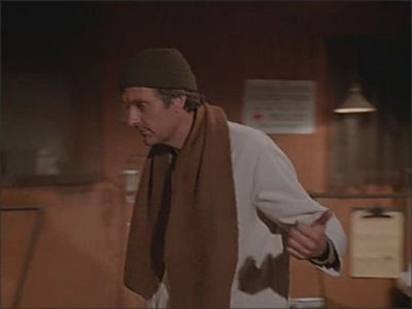 M*A*S*H - Season 7 Episode 15: Dear Sis