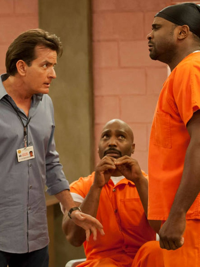 Anger Management - Season 1 Episode 07: Charlie's Patient Gets Out of Jail