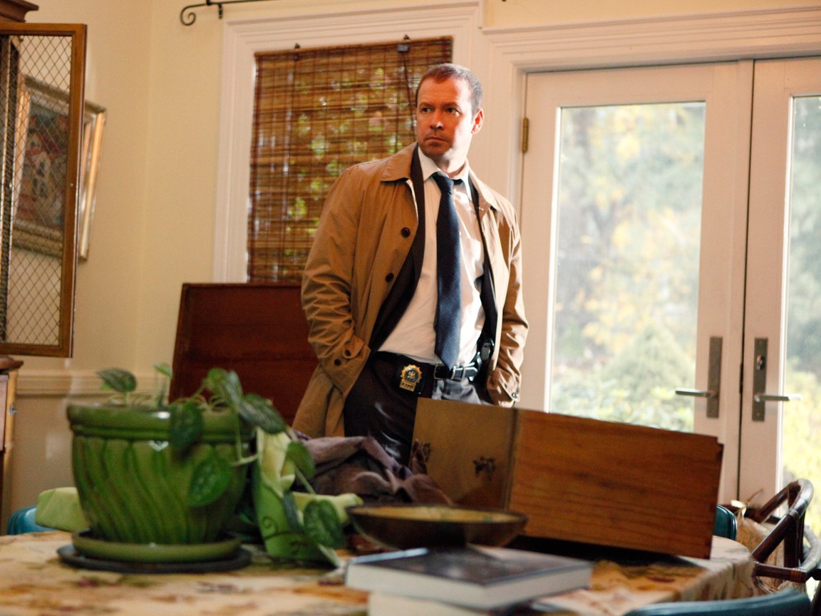 Blue Bloods - Season 2 Episode 11: The Uniform