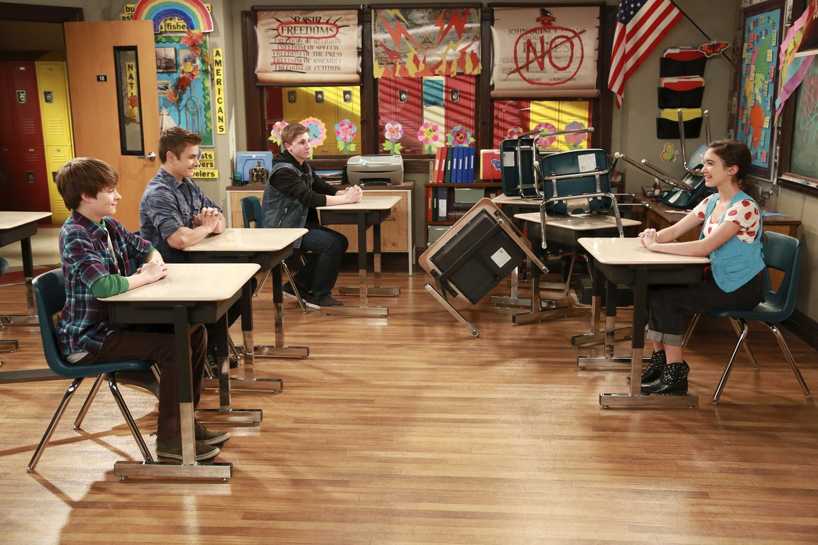 Girl Meets World - Season 2 Episode 08: Girl Meets Hurricane