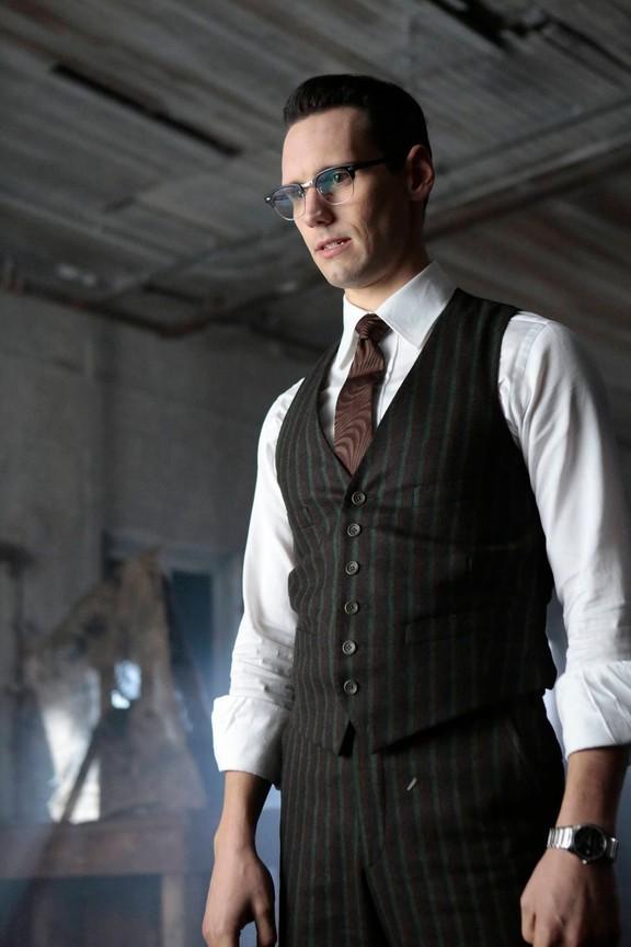 Gotham - Season 3 Episode 10: Mad City: Time Bomb