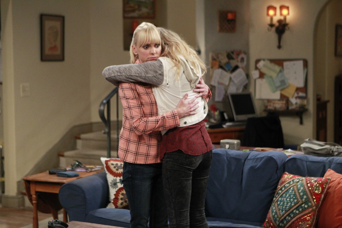 Mom - Season 2 Episode 08: Free Therapy and a Dead Lady's Yard Sale