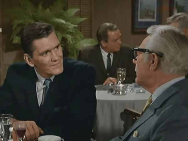 Bewitched - Season 1 Episode 05: Help, Help, Don't Save Me