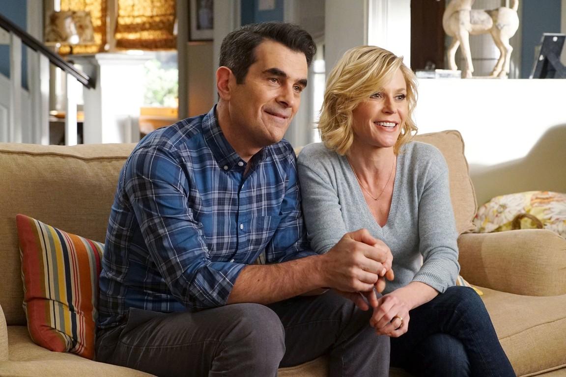 Modern Family - Season 8 Episode 19: Frank's Wedding
