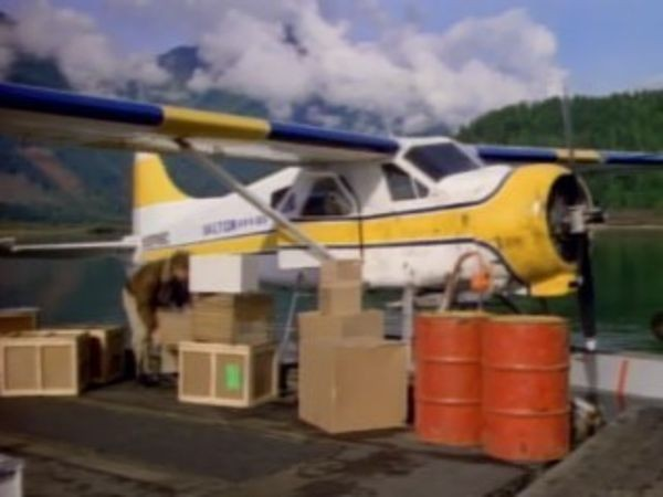 MacGyver - Season 4 Episode 04: On a Wing and a Prayer