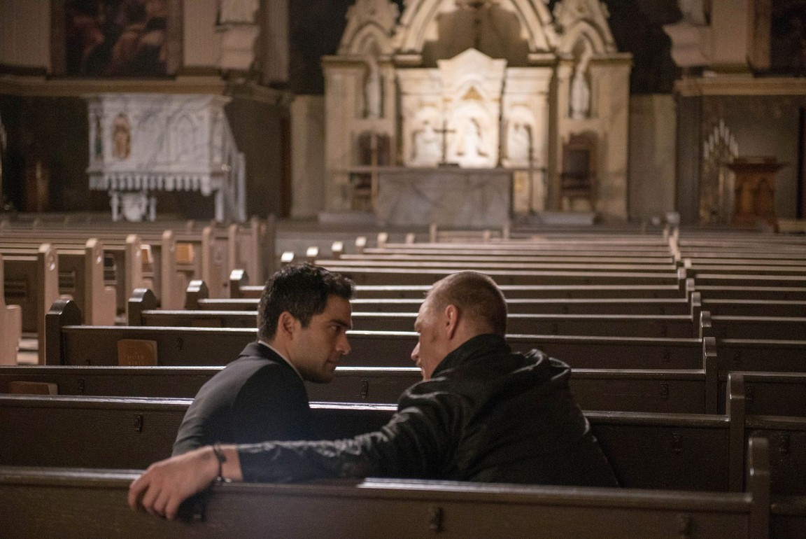 The Exorcist - Season 1 Episode 03: Chapter Three: Let 'Em In