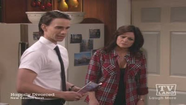 Hot in Cleveland - Season 3 Episode 13: Tangled Web