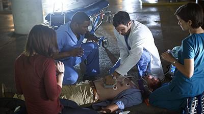 Saving Hope - Season 2 Episode 13: Wide Awake
