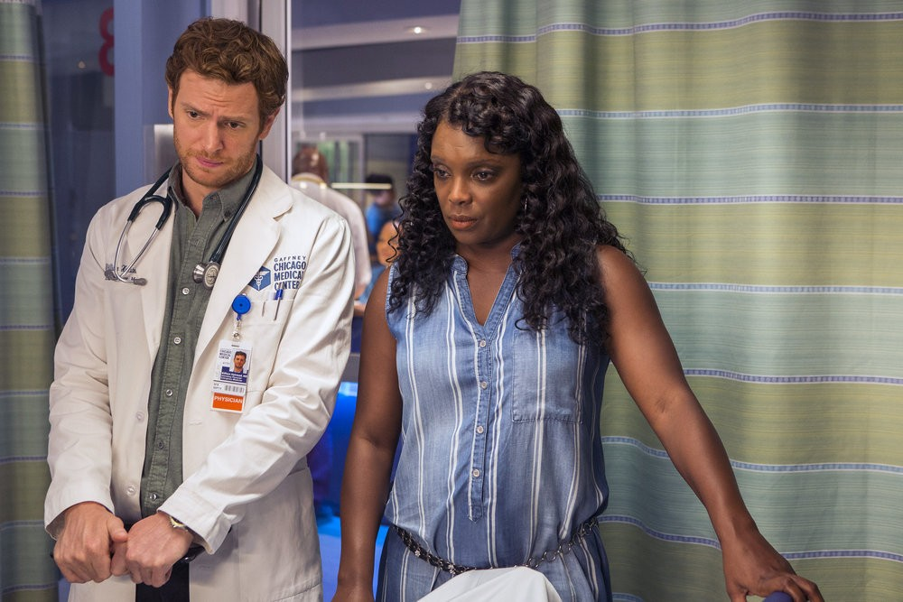 Chicago Med - Season 2 Episode 03: Natural History