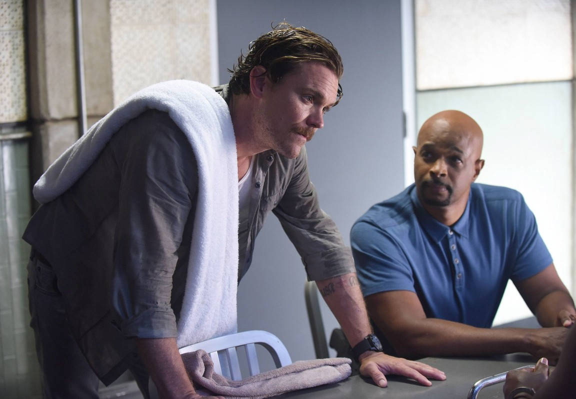 Lethal Weapon - Season 1 Episode 04: There Goes the Neighborhood
